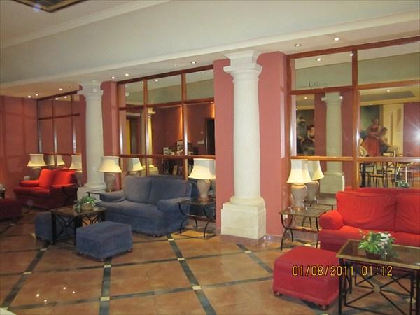 На первом этаже отеля