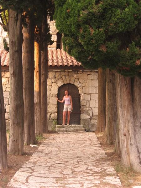 Алея в крепости