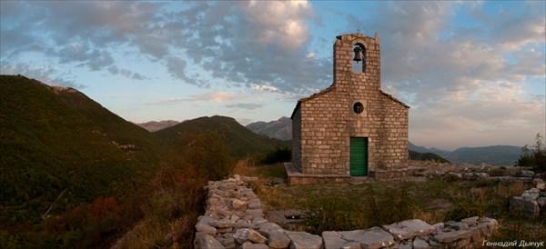Святи церква на закате