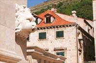Барельефы в Дубровнике