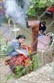 Приготовление паприки на уличной буржуйке
