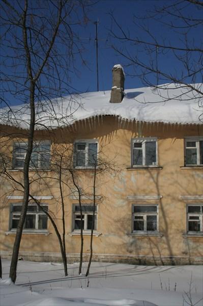 Клыкастый дом
