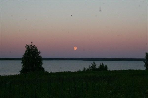 Ночь на Монастырском озере