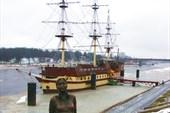Скульптура `Уставшая туристка` 2009