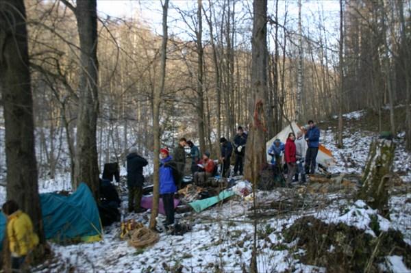 Лагерь у старицких каменоломен