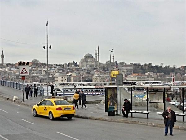 Вид с Галатского моста