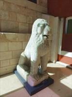 В музее исламского искусства.