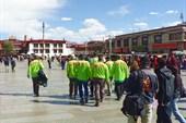Зеленые человечки S7 tour захватывают столицу Тибета