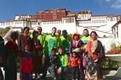 Тибетцы провожают нас в поход