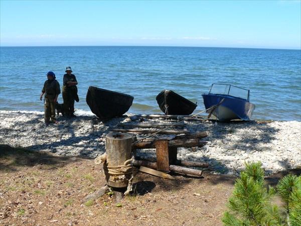 на фото: Стоянки рыбаков