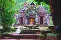 Древний кхмерский храм в Тямпасаке