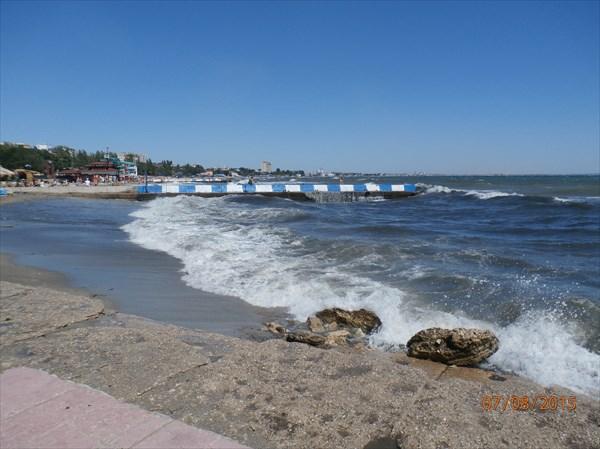 Феодосия. Море штормит