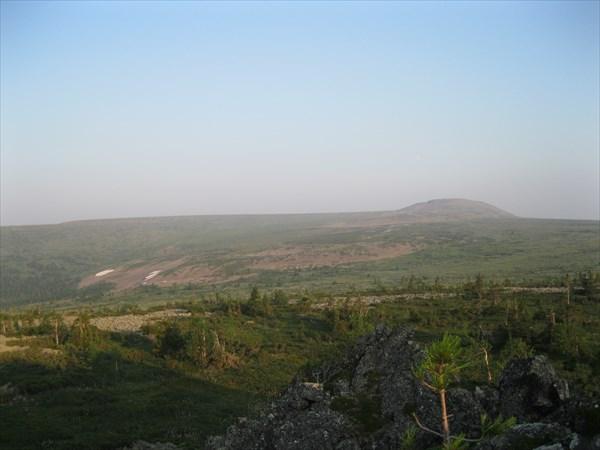 42. Вогульский Камень со склона г. Гроб