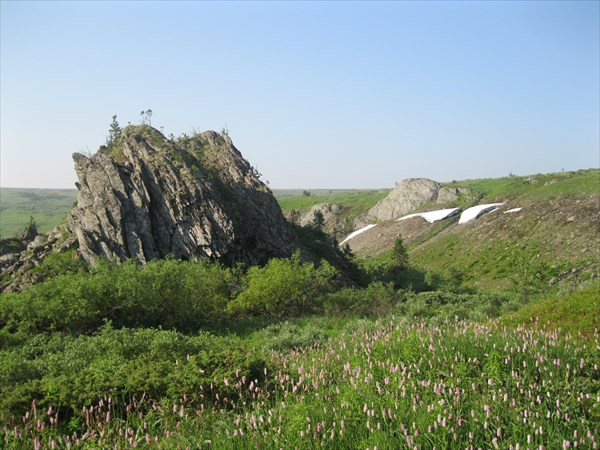 44. Скалы в верховьях Жигалана