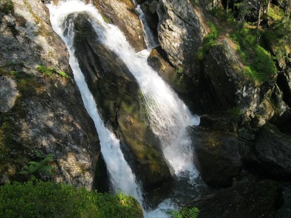 46. Один из Жигаланских водопадов
