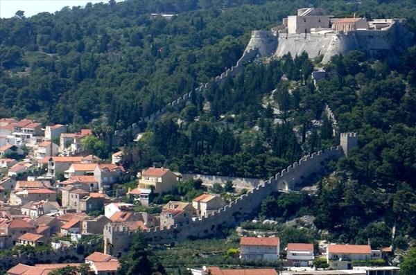 Крепость Хвар