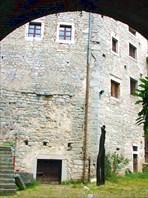 В крепости Пазин