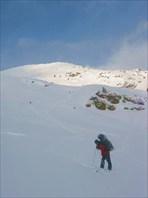 Спуск с перевала Обручева