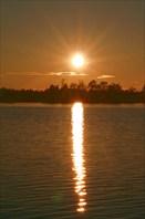 Солнечная дорожка на закате