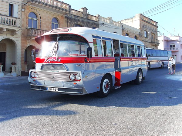 678-Автобус