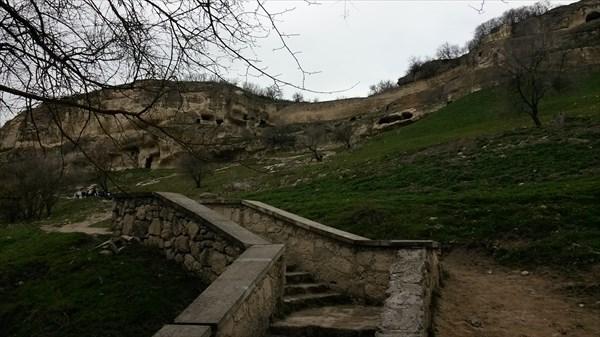 Дорога в пещерный город