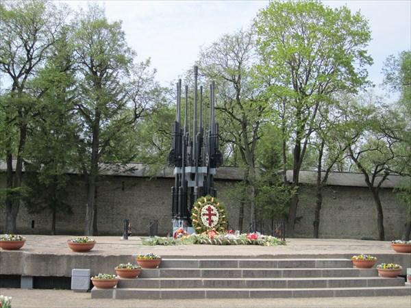 Мемориальный комплекс в честь 30-летия освобождения Пскова