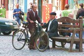на велосипедах ездит в основном люди старшего поколения