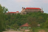 Бросив прощальный взгляд на Замок...