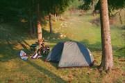 поставили палатку на уютной поляне