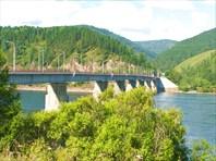 Фото 11. Мост через Енисей ниже ГЭС