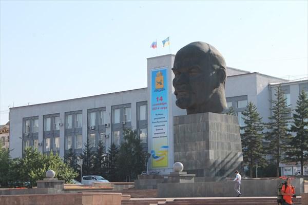 Гигантский Ленин