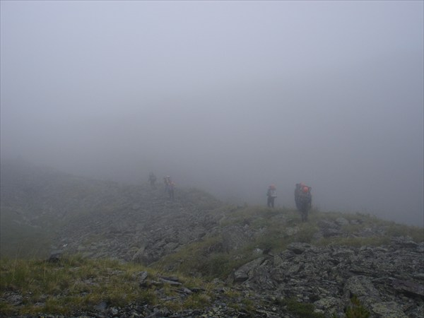 DSC03302 Туманное утро. Поиск пути к перевалу Рига-Турист