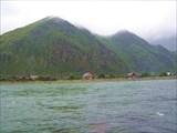 р. Катунь. На другом берегу поселок Тюнгур.