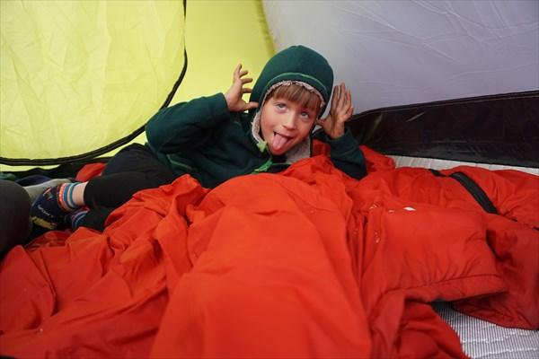 В палатке хорошо, когда снаружи дождь