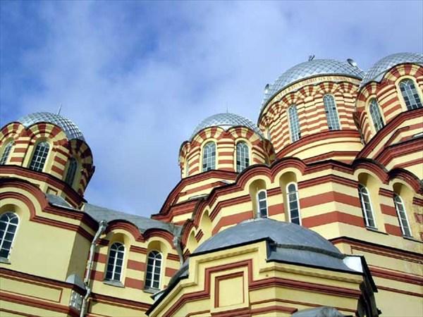 купола Нового Афона