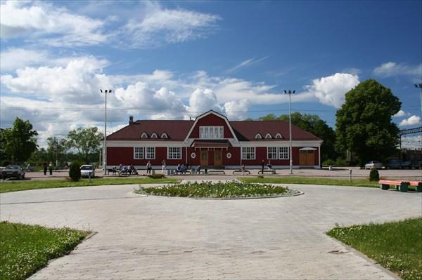 Здание вокзала в Приозерске