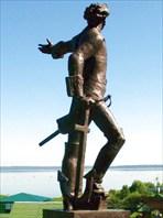 Памятник Петру I на горе Гремяч у Плещеева озера