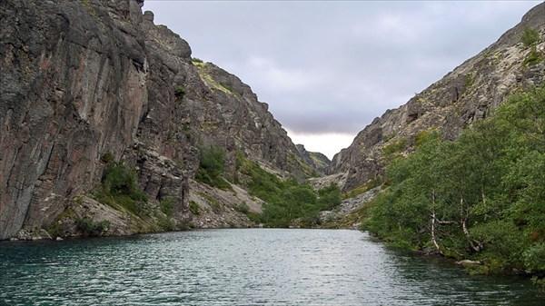 Озеро в ущелье Ака-Ака