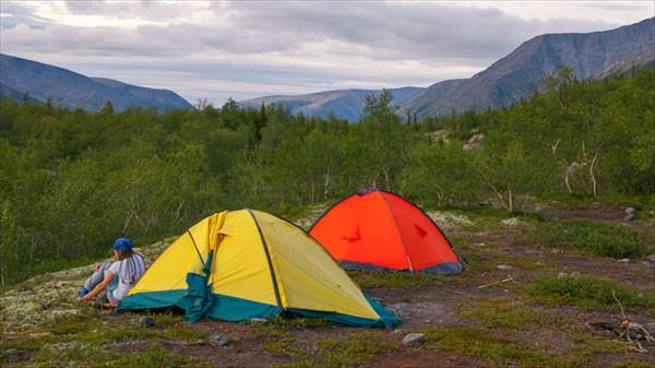 Лагерь в долине ручья Петрелиуса