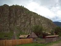 Памятник воинам в Тюнгуре