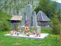 В каждом алтайском селе есть памятник погибшим солдатам. Респект