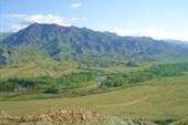 08. Вид с пер. Орлиный в долину р. Ак-Суг.