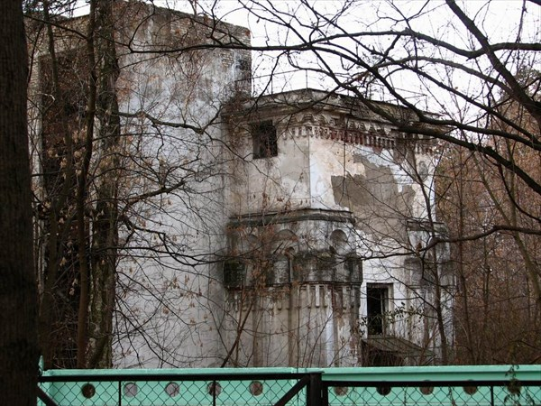 Усадьба Кучино. Здание бывшей водокачки.
