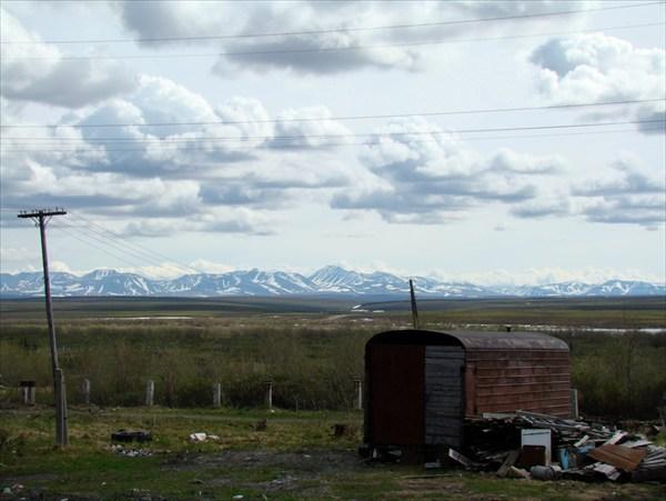 Тундра. Вид из окна поезда в районе станции пл. 86 км.