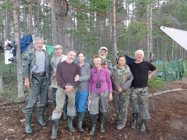 Кизостров, с группой москвичей