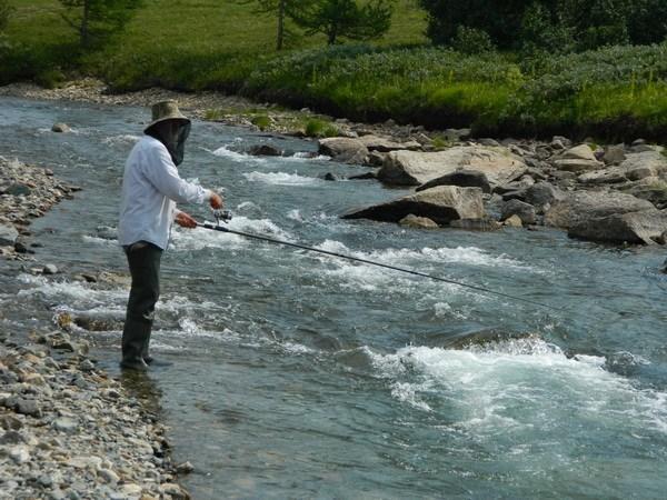 Рыбалка на перекате
