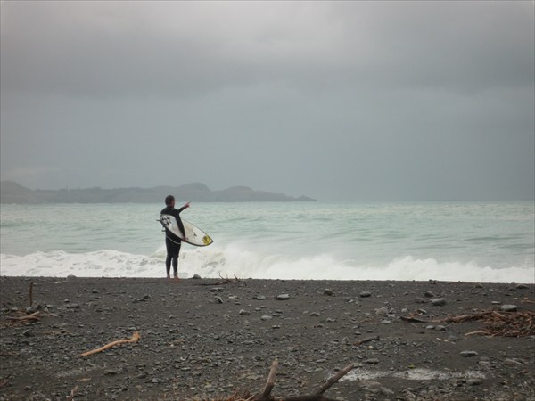 Серфингист и море-2