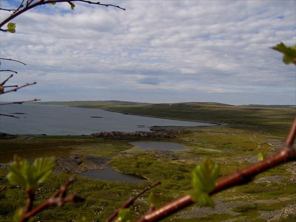 Вид на губу Волоковая с вершины хребта Муста-Тунтури