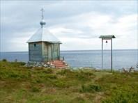 Тоня Тетрино. Часовенка северных святых на берегу Белого моря