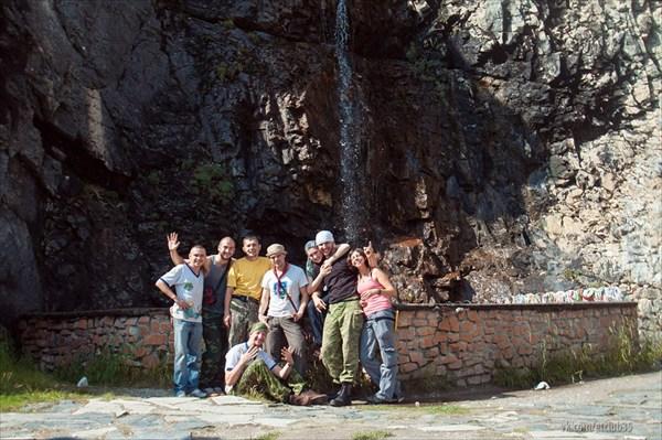У бурхана с водопадом